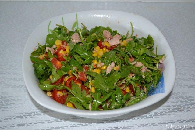 insalata rucola mais tonno