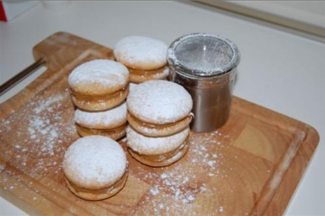 Alfajores con dulce de leche (Biscotti al caramello)