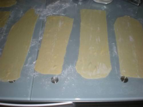 Pasta per wonton e involtini cinesi
