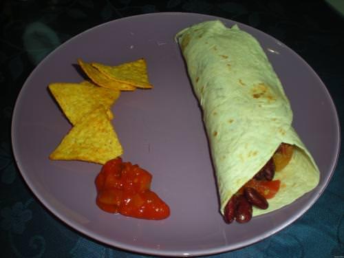 Tortillas ripiene di salsiccia e fagioli