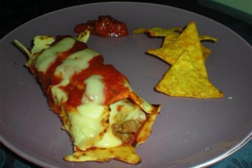 Enchiladas con salsicce