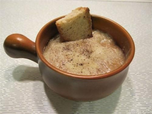 Zuppa di cipolle ricetta zuppa di cipolle di misya - Cucina con misya ...