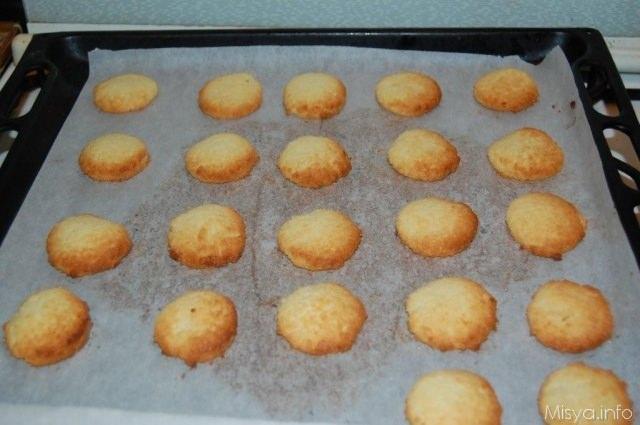 Lasciate intiepidire i biscotti al cocco