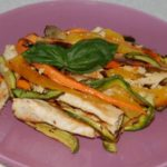 insalata di pollo con verdure alla griglia