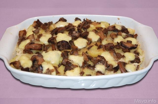 Teglia di patate funghi e brie
