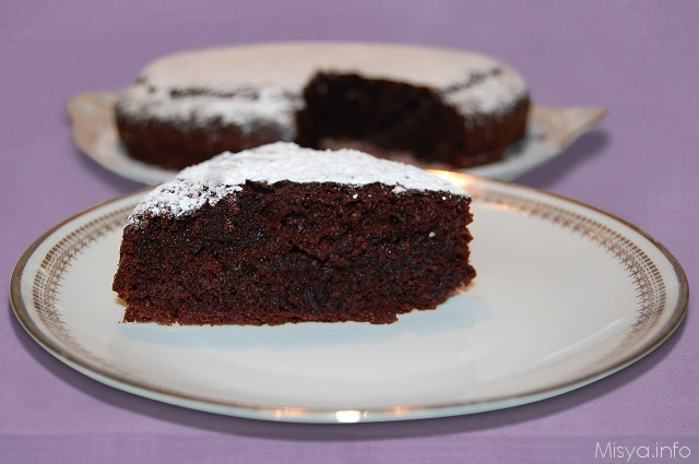 Torta con cioccolato bianco ciobar
