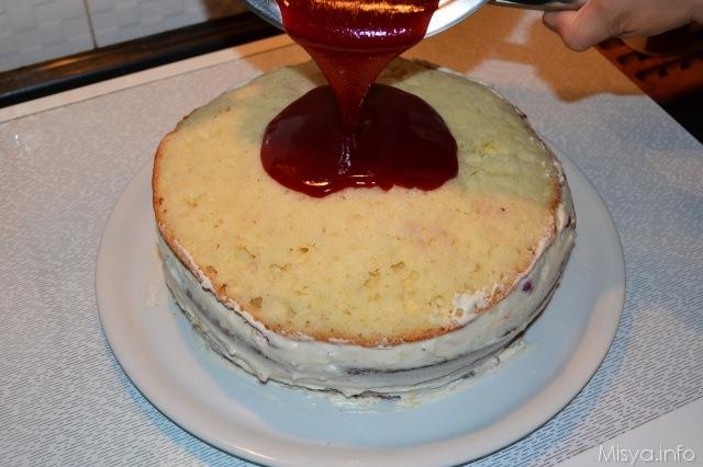 torta con glassa fragola