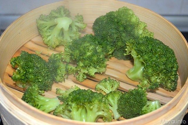 1 broccoli a vapore