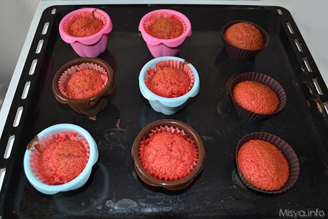 8b Red velvet cupcakes