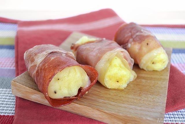 Involtini di spek e patate