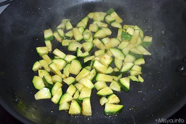 Fagottini di sfoglia con zucchine e stracchino 3