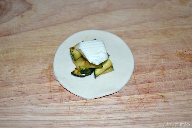 Fagottini di sfoglia con zucchine e stracchino 6
