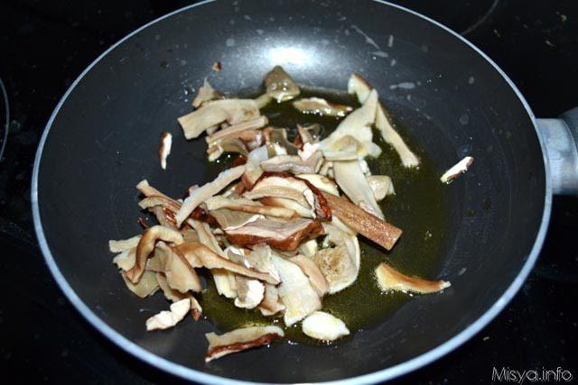 Torta salata formaggi e porcini 7