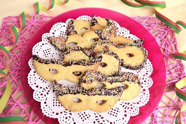 Maschere di carnevale di pasta frolla - Ricetta Maschere di ... 34281d714971