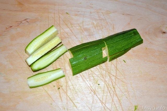 2 tagliare zucchine