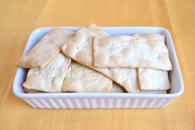 Crackers con esubero di pasta madre