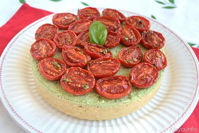 Cheesecake al pesto e pomodorini