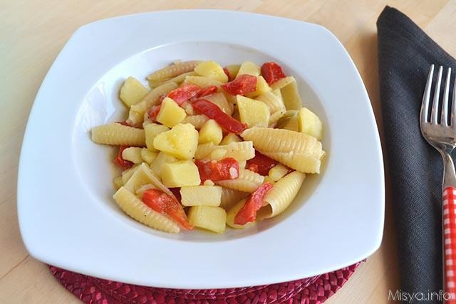 Pasta e patate con peperoni