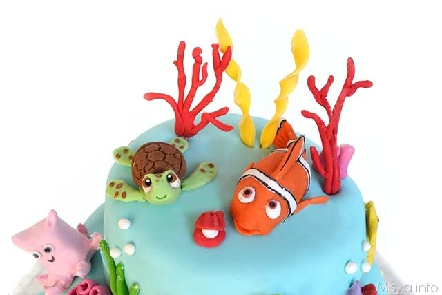 torta di nemo a 3 piani - particolare 3