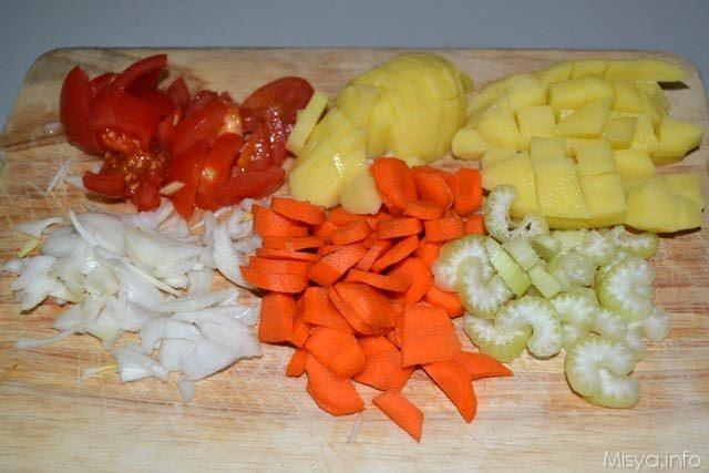 Zuppa di farro con patate e carote 2