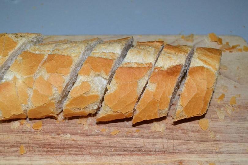 5 tagliare il pane