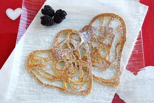 Crepes ricamate a cuore