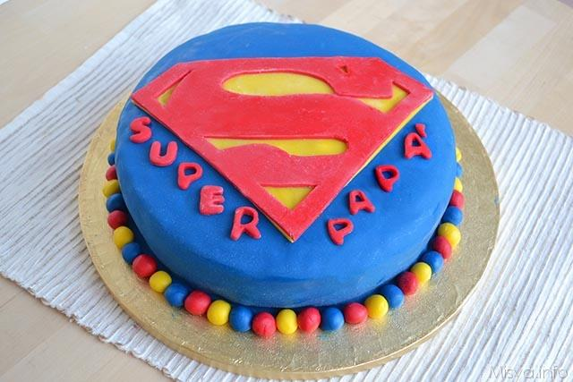 torta superman ricetta torta superman di misya. Black Bedroom Furniture Sets. Home Design Ideas