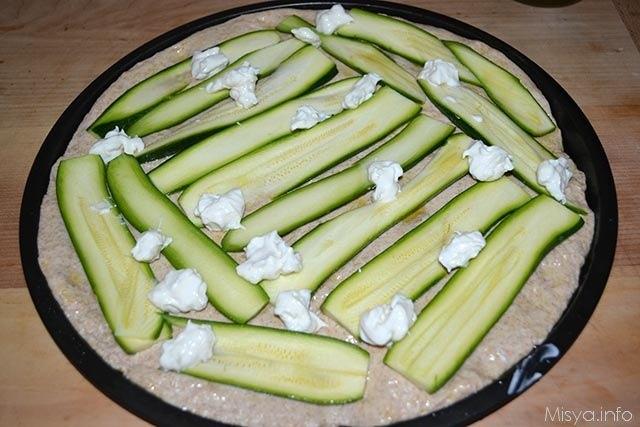 Focaccia integrale con zucchine e crescenza 11