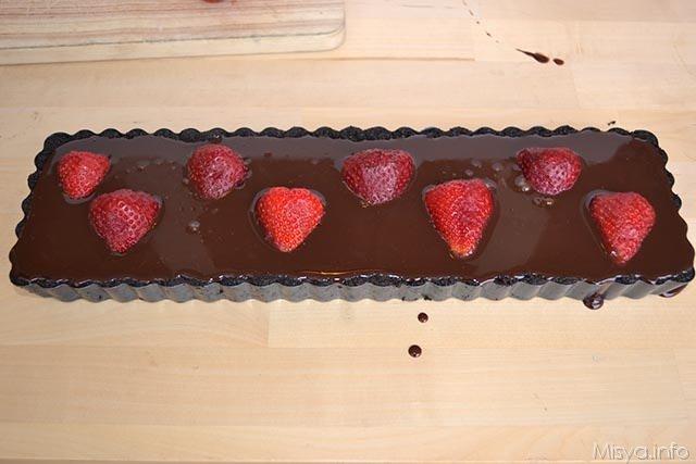 Crostata cioccolato e fragole 11