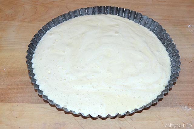 crostata morbida allo yogurt con crema alle fragole 5