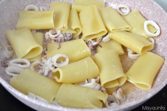 Paccheri con crema di patate e pecorino 9