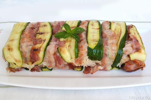 Timballo di riso con zucchine e bacon