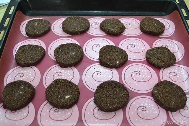 Biscotti di crusca e cacao 8