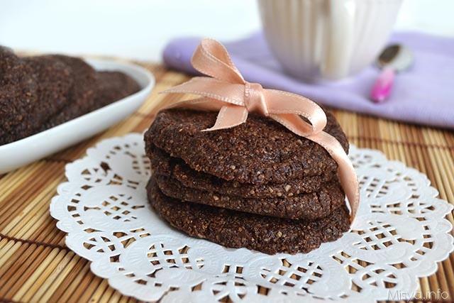 Biscotti di crusca e cacao