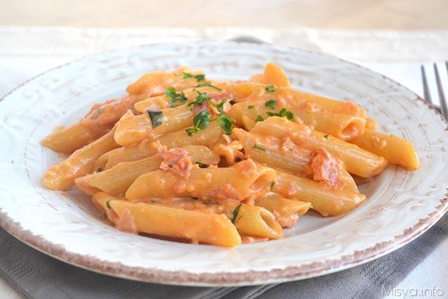 Penne al baffo ricetta penne al baffo di misya for Ricette primi piatti pasta