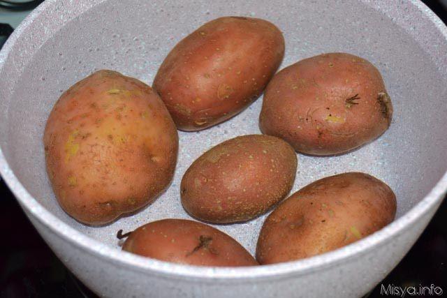 1 cuocere le patate