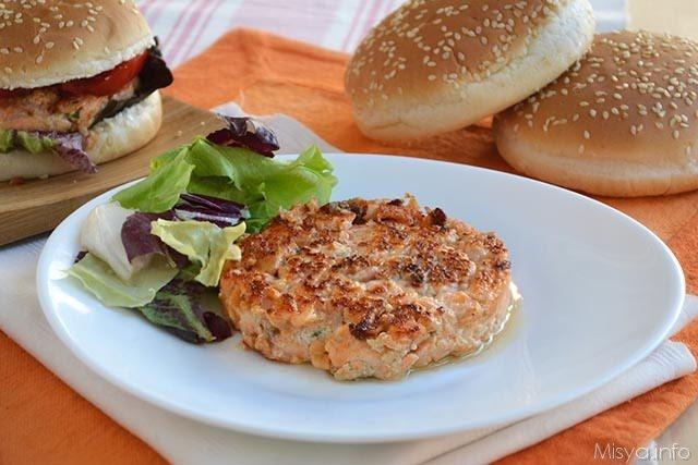spesso Burger di salmone - Ricetta Burger di salmone di Misya NS36