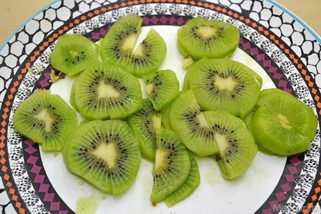 2 tagliate kiwi