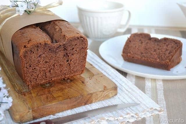Plumcake al cacao e latte condensato