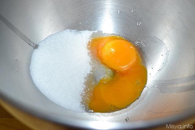 4 uova e zucchero