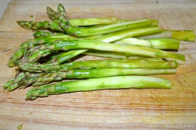 Asparagi avvolti in pancetta