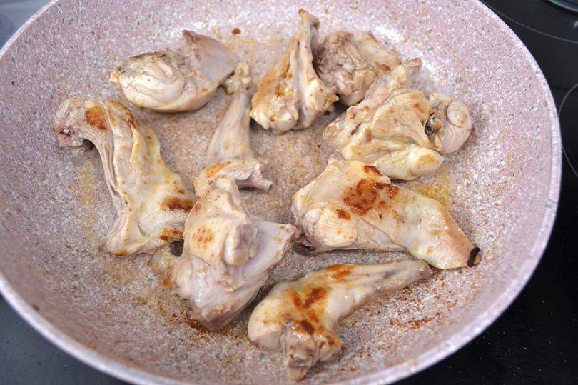 4 cuocere coniglio in padella