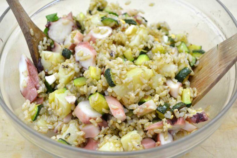 mescolare bene insalata di riso