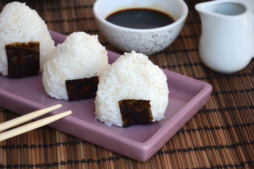 Onigiri ricetta onigiri di misya - Cose semplici da cucinare ...