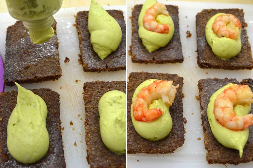 4-aggiungere-avocado-e-gamberi
