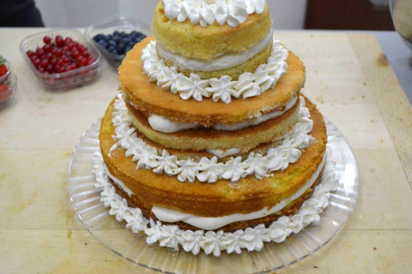 Naked cake ai frutti di bosco | La ricetta che Vale