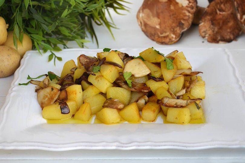 Patate e funghi porcini - Ricetta Patate e funghi porcini di Misya