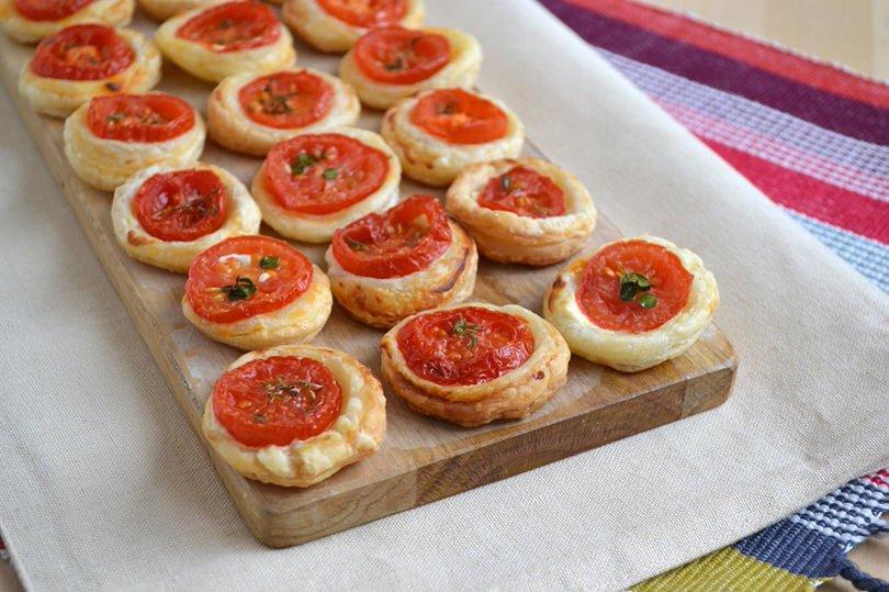Ben noto Pizzette di pasta sfoglia - Ricetta Pizzette di pasta sfoglia di Misya SW69