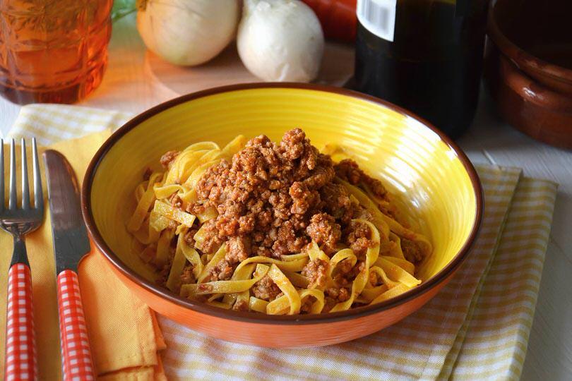 Pasta alla bolognese ricetta pasta alla bolognese di misya for Ricette primi piatti pasta