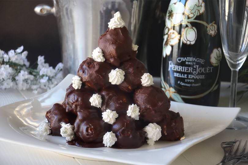 Profiteroles al cioccolato - Ricetta Profiteroles al cioccolato di ...